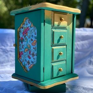 Revolving Jewelry Box